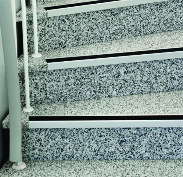 Antirutschbelag / Stufenprofile aus Aluminium für den Innenbereich