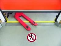 Antirutschbelag / Verbotszeichen, Für Fußgänger verboten, 300 mm, R11 - ISO 7010