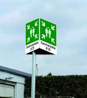 Rettungszeichen, Prismenschild mit Symbol und Text nach Wunsch zur Pfostenmontage
