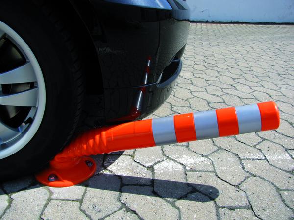 Parkplatzsperren, -pfosten und -begrenzungen