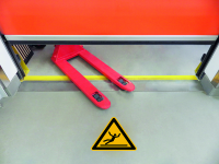 Antirutschbelag / Warnzeichen, Rutschgefahr, 300 mm, R11 - ISO 7010